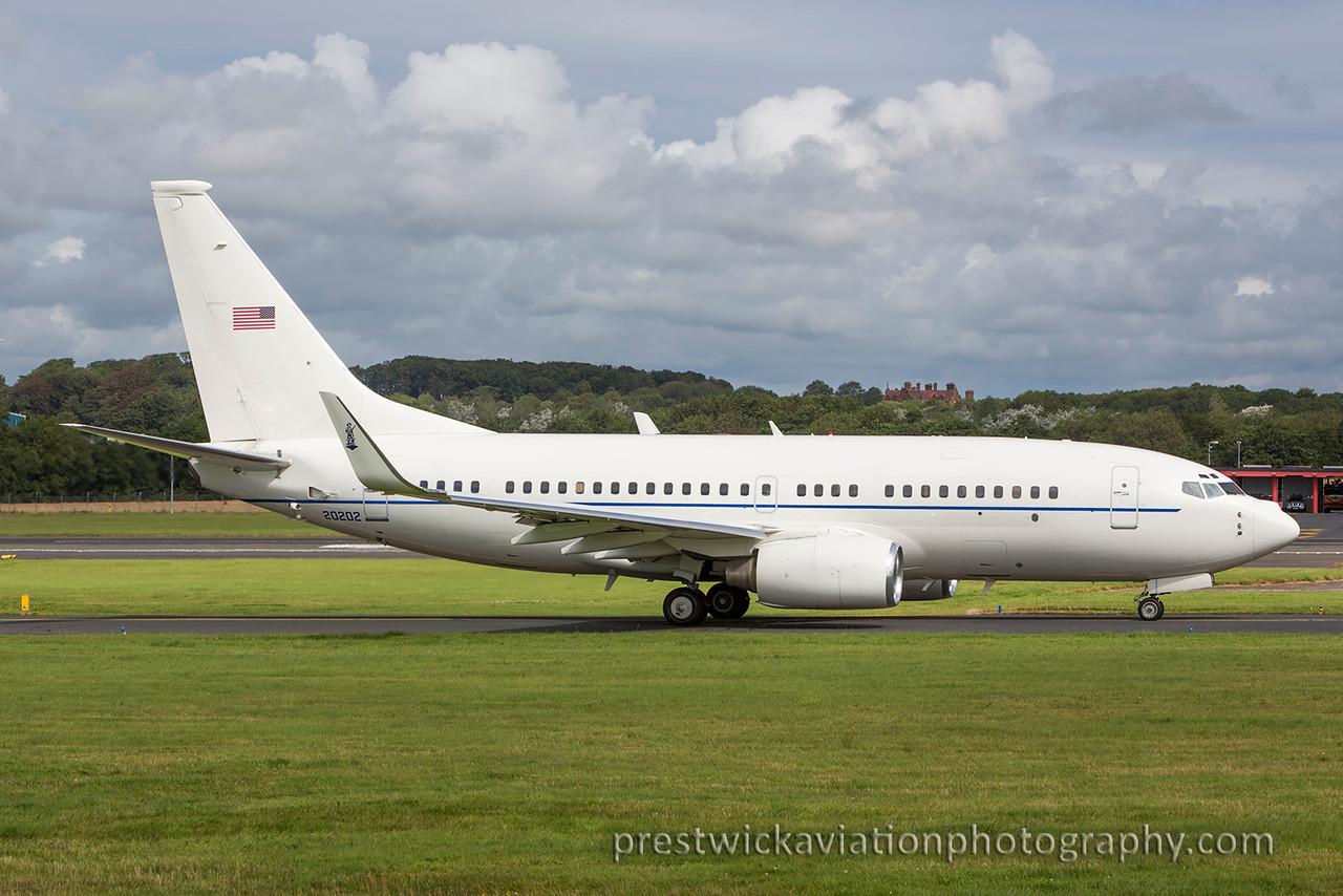 02-0202. Boeing C-40C BBJ. USAF. Prestwick. 300815.
