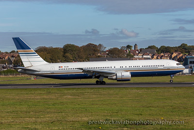 EC-LZO. Boeing 767-35D (ER). Priviliege. Prestwick. 151015.