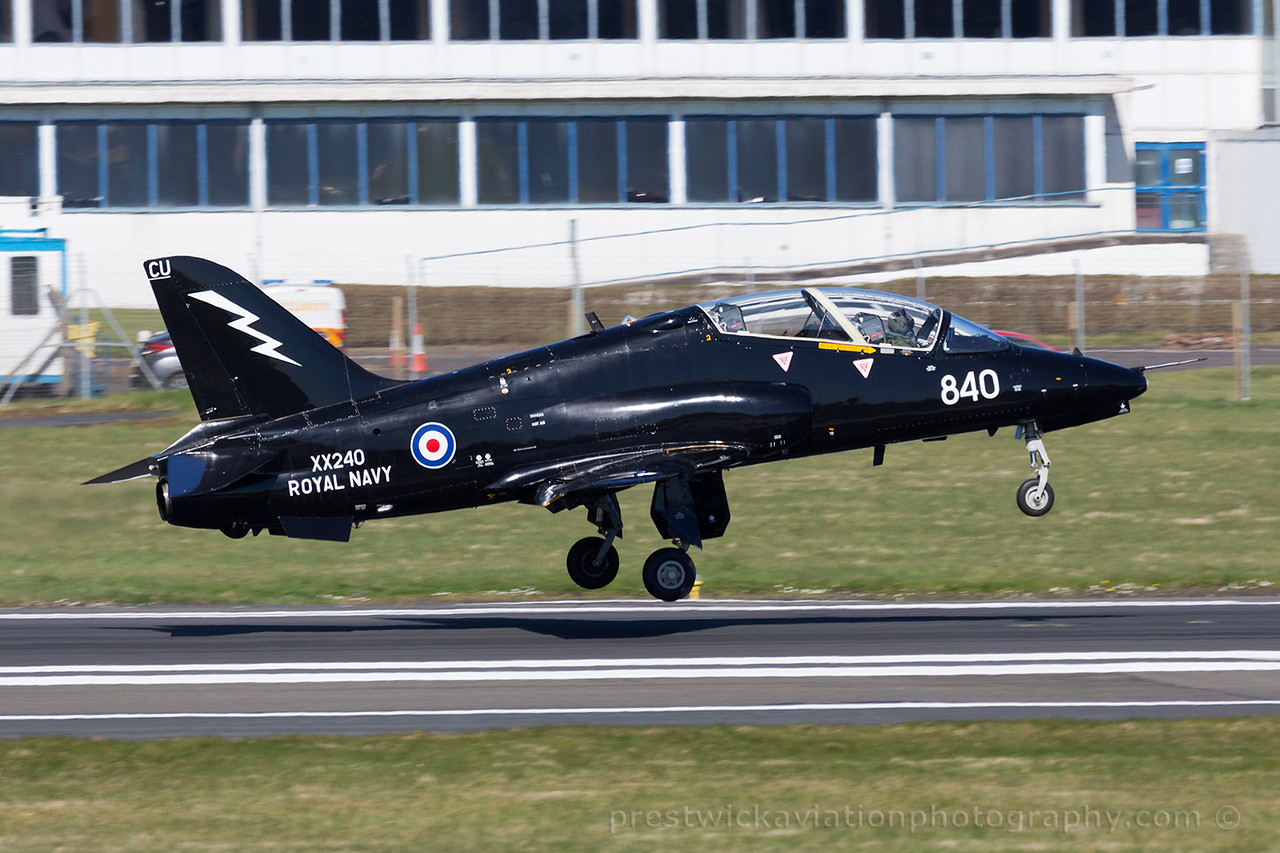 XX240. British Aerospace Hawk T1A. Royal Navy. Prestwick. 180415.