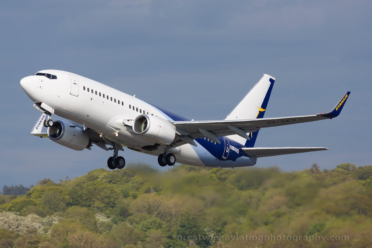 EI-SEV. Boeing 737-73S. Ryanair. Prestwick. 080615.