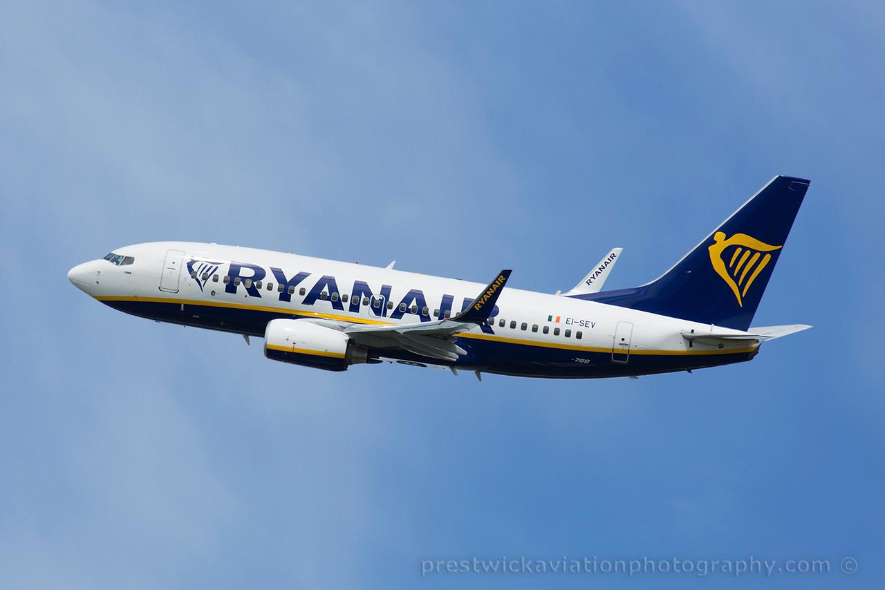 EI-SEV. Boeing 737-73S. Ryanair. Prestwick. 070715.