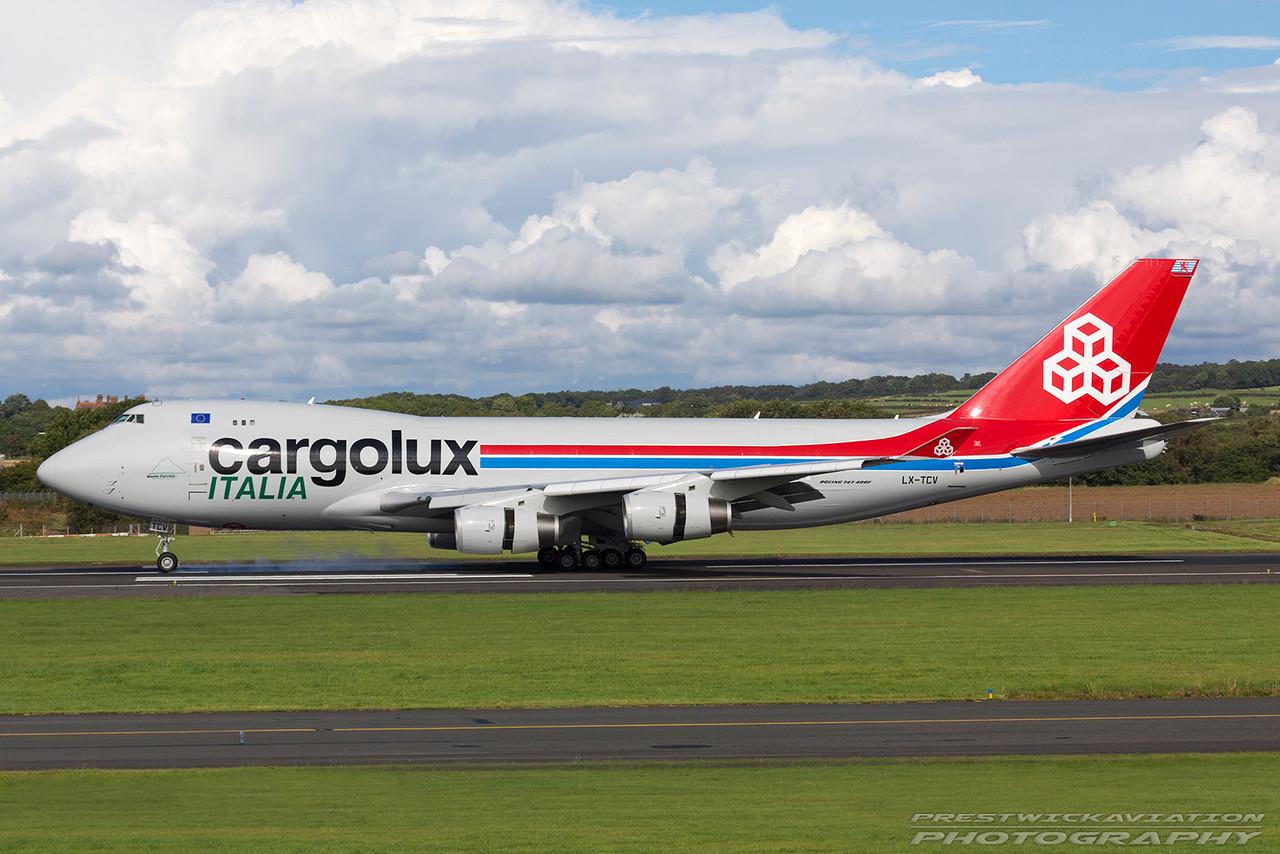 LX-TCV. Boeing 747-4R7F/SCD. Cargolux Italia. Prestwick. 050916.