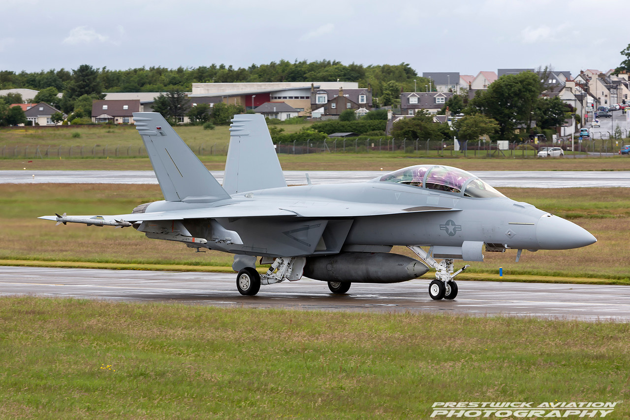 168930. Boeing FA-18F Super Hornet. US Navy. Prestwick. 010716.
