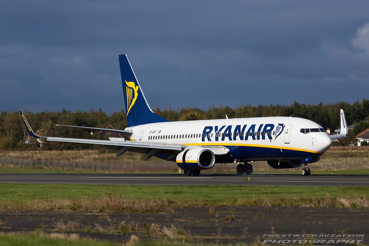 EI-EKF. Boeing 737-8AS. Ryanair. Prestwick. 101016.