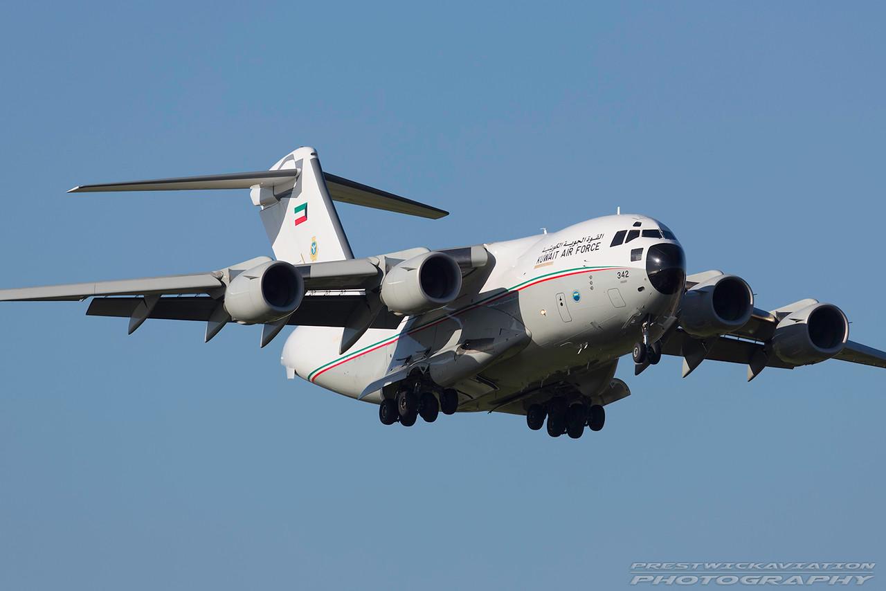 KAF 342. Boeing C-17A Globemaster III. Kuwait Air Force. Prestwick. 061016.