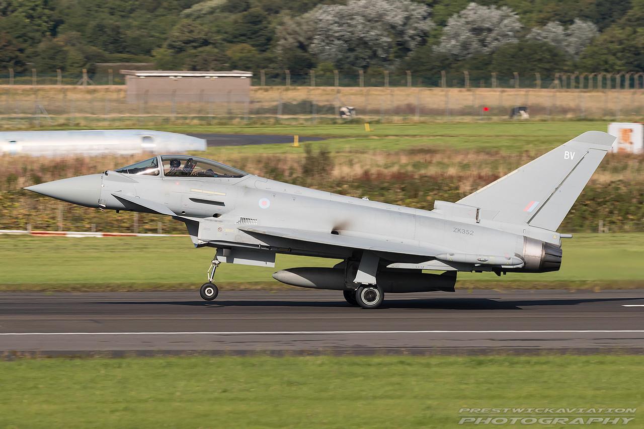 ZK352. Eurofighter EF-2000 Typhoon FGR4. RAF. Prestwick. 040916.