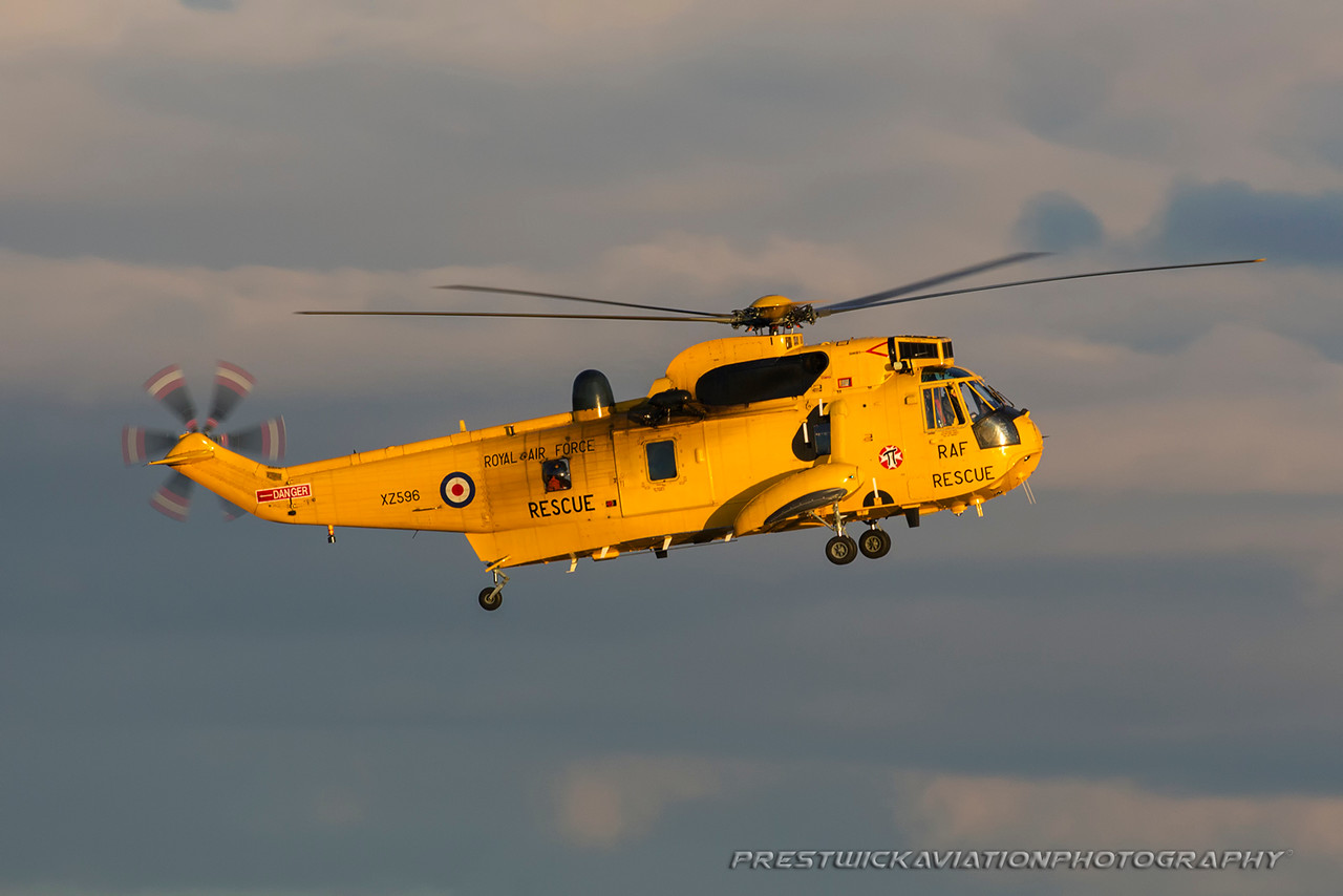 XZ596. Westland WS-61 Sea King HAR3. RAF. Prestwick. 100316.