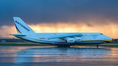 UR-82027. Antonov An-124-100 Ruslan. Antonov Design Bureau. Prestwick. 101016.