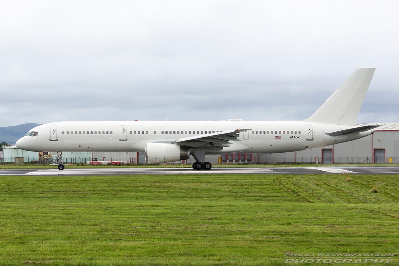 02-4452. Boeing C-32B USAF. Prestwick. 200816.