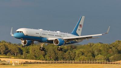 99-0016. Boeing C-32A. USAF. Prestwick. 120718.