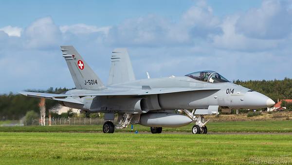 J-5014. McDonnell Douglas FA-18C Hornet. Swiss Air Force. Prestwick. 290818.