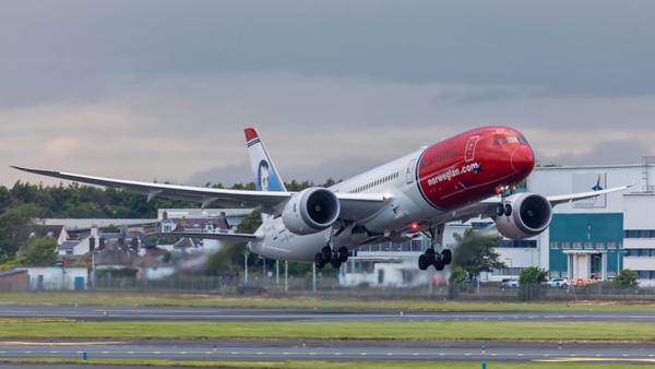 G-CKWC. Boeing 787-8 Dreamliner. Norwegian. Prestwick. 170619.