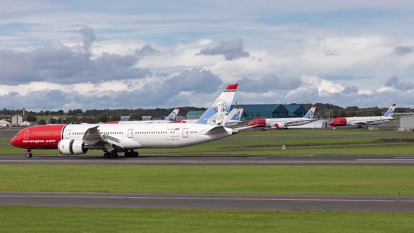 LN-LNX.  Boeing 787-9 Dreamliner. Norwegian. Prestwick. 010919.