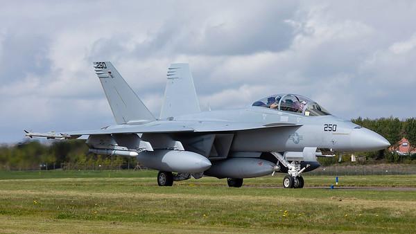 169654. McDonnell Douglas F/A-18F Super Hornet. US Navy. Prestwick. 060519.
