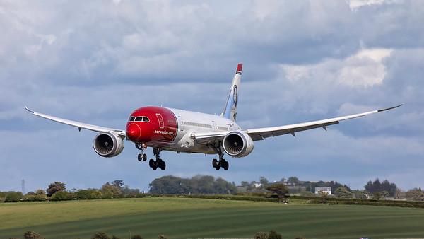 LN-LNA. Boeing 787-8 Dreamliner. Norwegian. Prestwick. 270519.