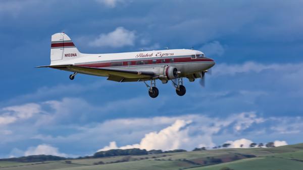 N103NA. Douglas C-47B Skytrain. Private. Prestwick. 160619.