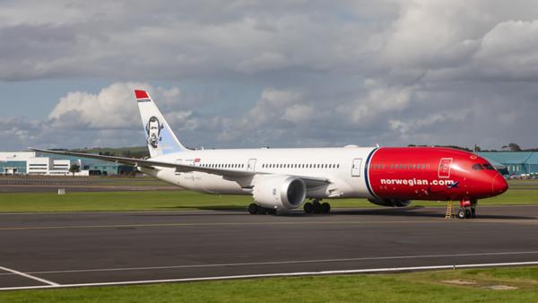 LN-LNS. Boeing 787-9 Dreamliner. Norwegian. Prestwick. 130819.