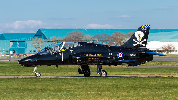 XX285. British Aerospace Hawk T1. RAF. Prestwick. 090414.
