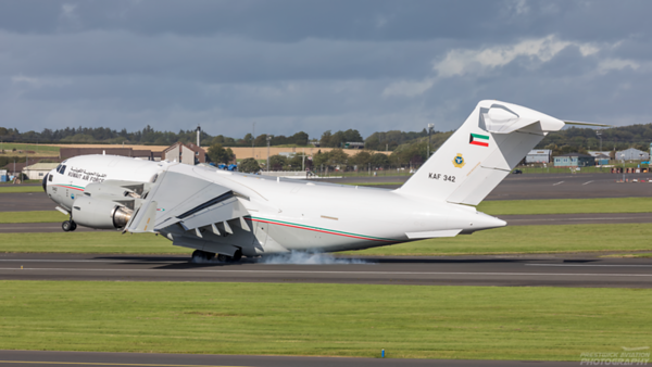KAF 342. Boeing C-17A Globemaster III. Kuwait Air Force. Prestwick. 030920.
