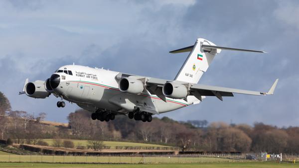 KAF 342. Boeing C-17A Globemaster III. Kuwait Air Force. Prestwick. 100320.
