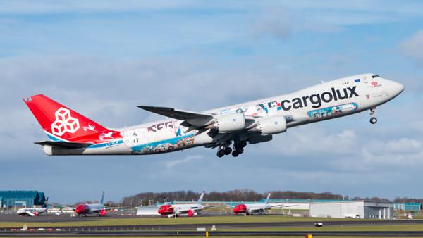 LX-VCM. Boeing 747-8R7F/SCD. Cargolux. Prestwick. 130320.