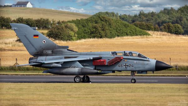 46+24. Panavia Tornado ECR. German Air Force. Prestwick. 100821.