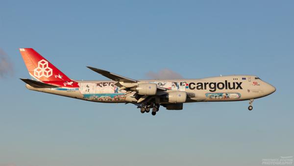 LX-VCM. Boeing 747-8R7F/SCD. Cargolux. Prestwick. 100221.