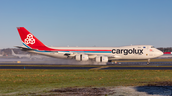 LX-VCH. Boeing 747-8R7F/SCD. Cargolux. Prestwick. 060121.