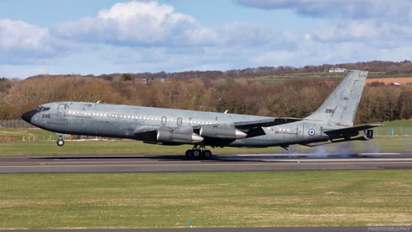 295. Boeing 707-366C. Israeli Air Force. Prestwick. 050421.