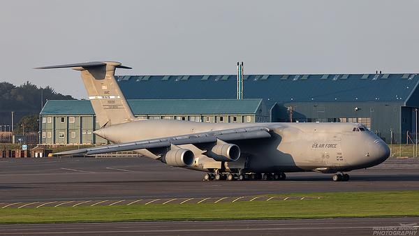87-0030.  Lockheed C-5M Super Galaxy. USAF. Prestwick. 020921.