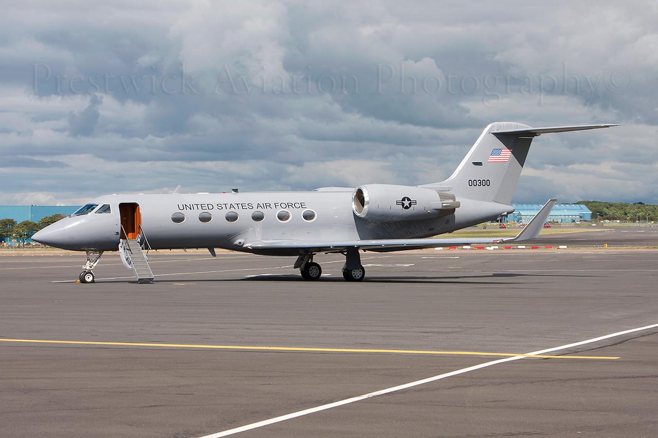 90-0300. Gulfstream Aerospace C-20H Gulfstream IV. USAF. Prestwick. 060813.