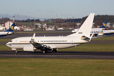 166695. Boeing C-40A Clipper. US Navy. Prestwick. 231113.