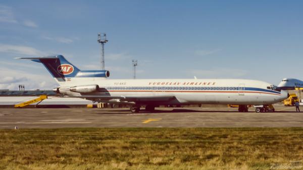 YU-AKG. Boeing 727-2 H9/Adv. JAT. Prestwick. October. 1988.