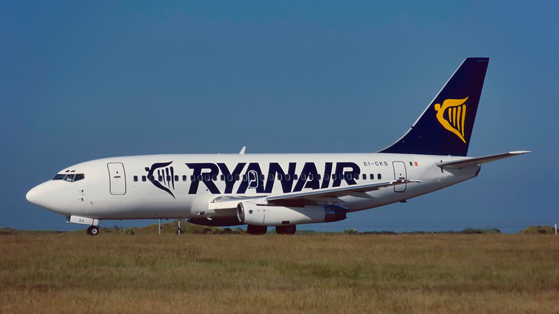 EI-CKS. Boeing 737-2T5(A). Ryanair. Prestwick. July. 1995.
