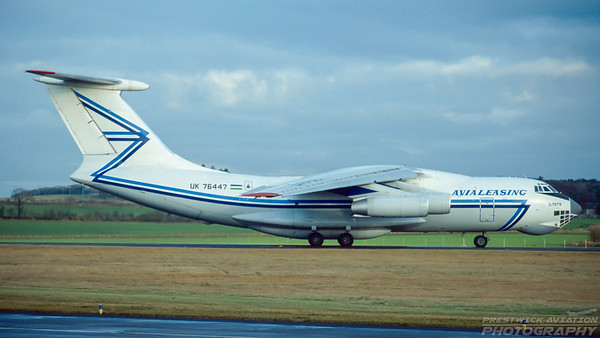 UK 76447. Ilyushin Il-76TD. Avialeasing. Prestwick. January. 1997.