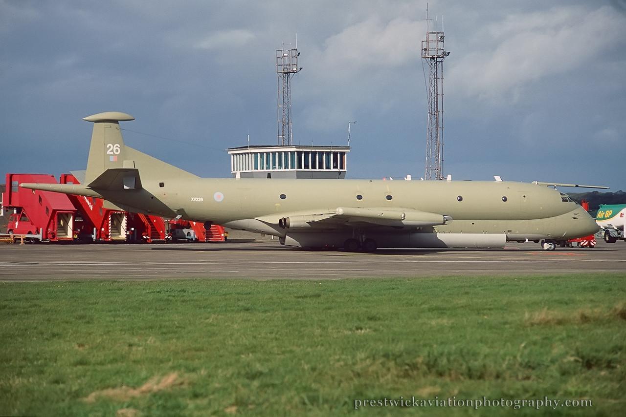 XV226. Hawker Siddeley Nimrod MR1 (801). RAF. Prestwick. October 1997.