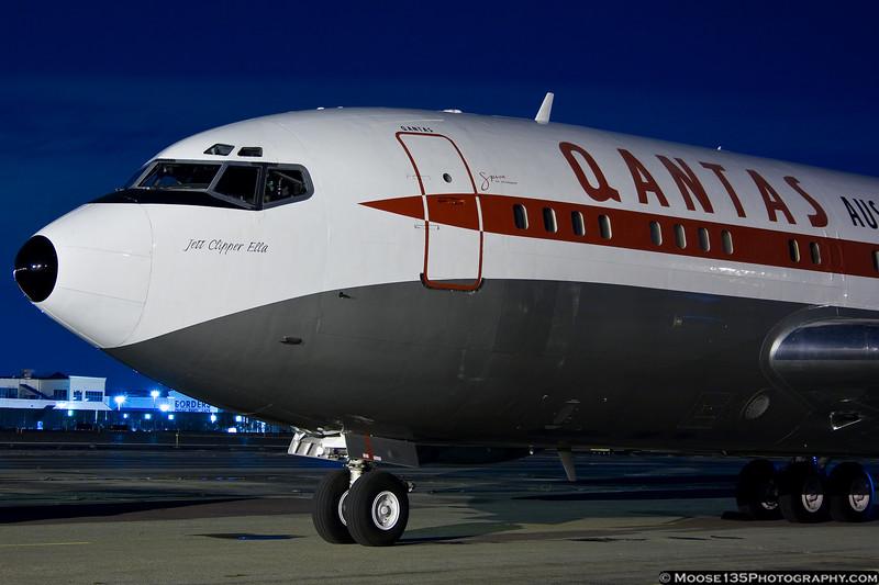 http://www.moose135photography.com/Airplanes/QANTAS-707/i-89TRc42/0/L/JM20111025N707JT009-L.jpg