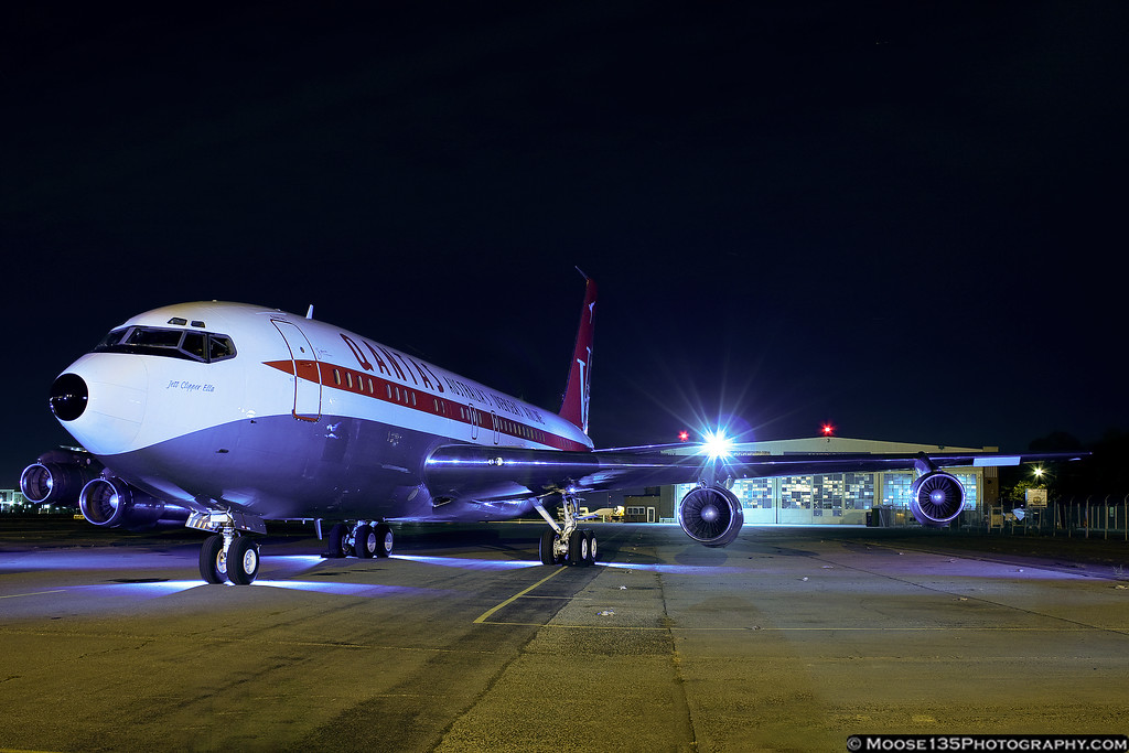 http://www.moose135photography.com/Airplanes/QANTAS-707/i-WcDQDcX/0/XL/JM20111025N707JT012-XL.jpg