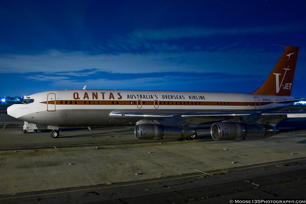 http://www.moose135photography.com/Airplanes/QANTAS-707/i-c83pwMt/0/XL/JM20111025N707JT003-XL.jpg