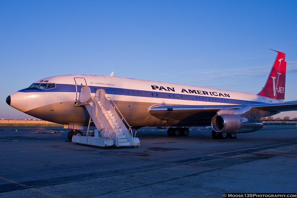 http://www.moose135photography.com/Airplanes/QANTAS-707/i-cjsKZjr/0/XL/JM20111028PanAm003-XL.jpg