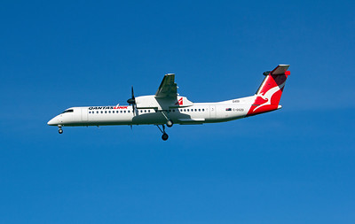 C-GSZD QANTASLINK DASH-8-Q400 delivery flight became VH-LQH