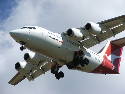 VH-NJD QANTASLINK BAe-146