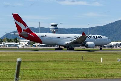 VH-EBJ QANTAS A330-200