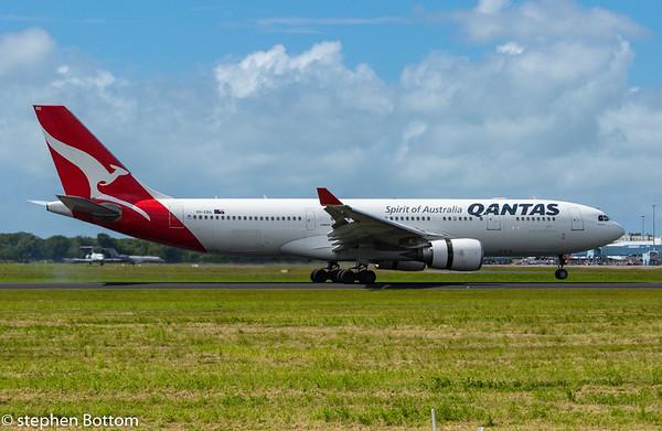 VH-EGB QANTAS A330-200