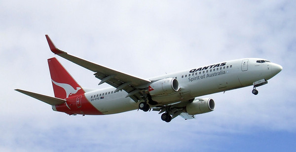 Qantas Boeing 737-800 VH-VYG