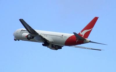 Qantas Boeing 767-300 VH-OGT