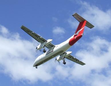 Qantaslink Bombardier Dash 8-200 VH-TQX