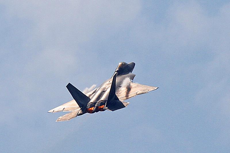 US Air Force F-22 Raptor Demo Team at the 2014 Quad City Air Show