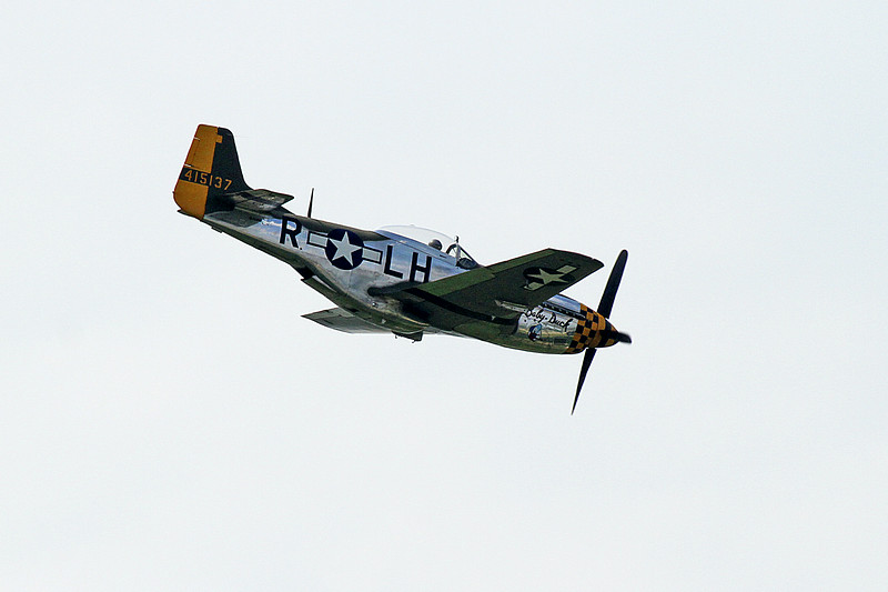 Vlado Lenoch in the North American P-51 Mustang at the 2014 Quad City Air Show
