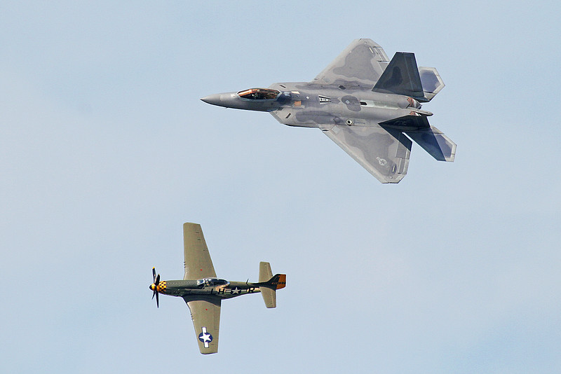 USAF Heritage Flight with the F-22 & P-51 Mustang at the 2014 Quad City Air Show